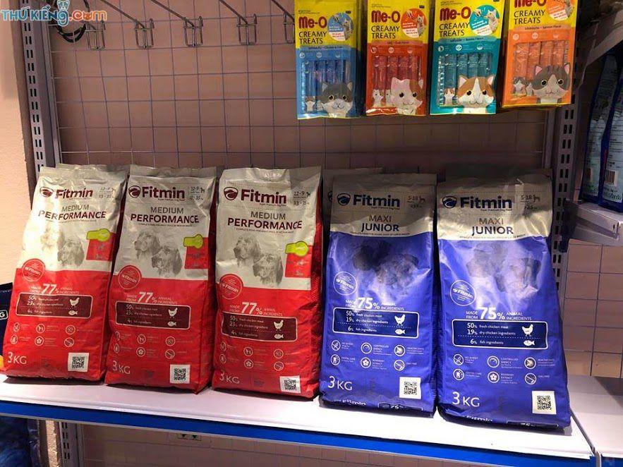 Chó Alaska ăn gì? Thức ăn khô cho chó Alaska. Thức ăn cho Alaska con